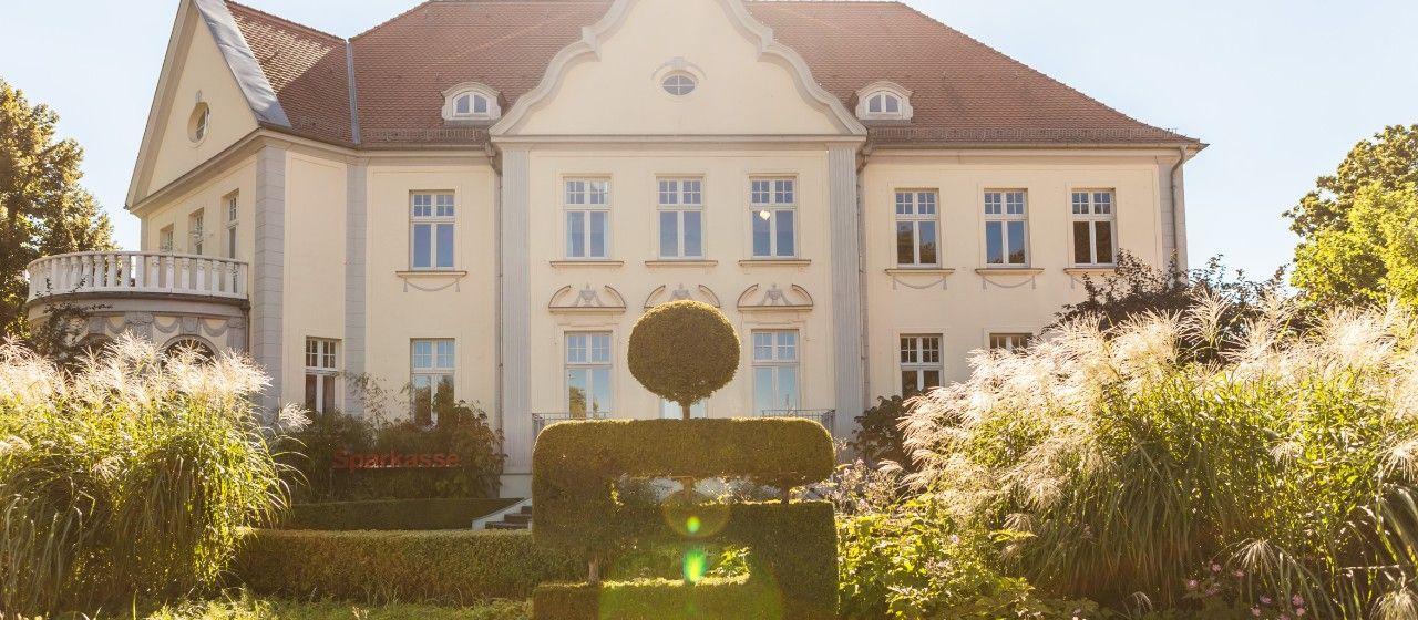 Sparkassenvilla am Fontaneplatz